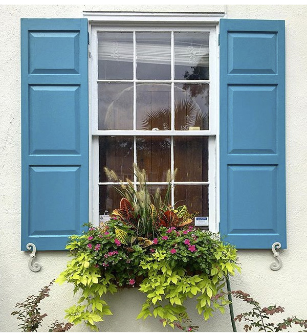 Exterior Shutters_Raised Panel_Blue